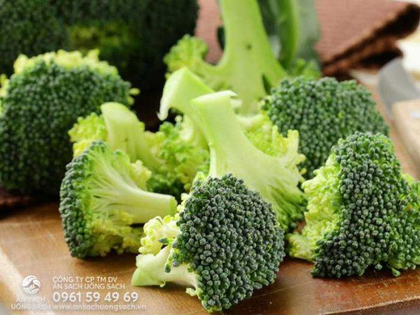 Trong rau chứa lượng lớn vitamin C cần thiết cho cơ thể